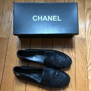 🖤🌺 Chanel Camellia Driving Loafers